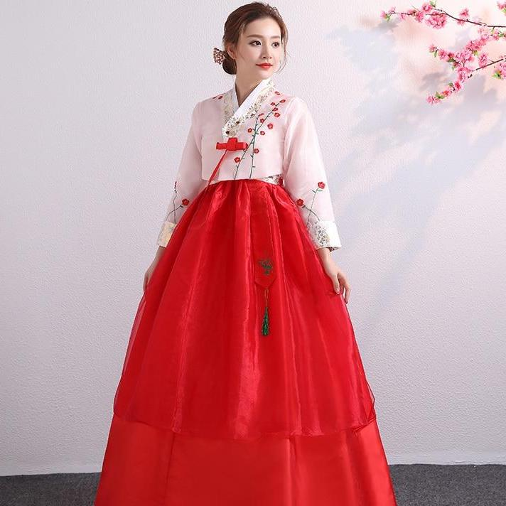 A women wear a traditional Korean clothing brands - Hanbok